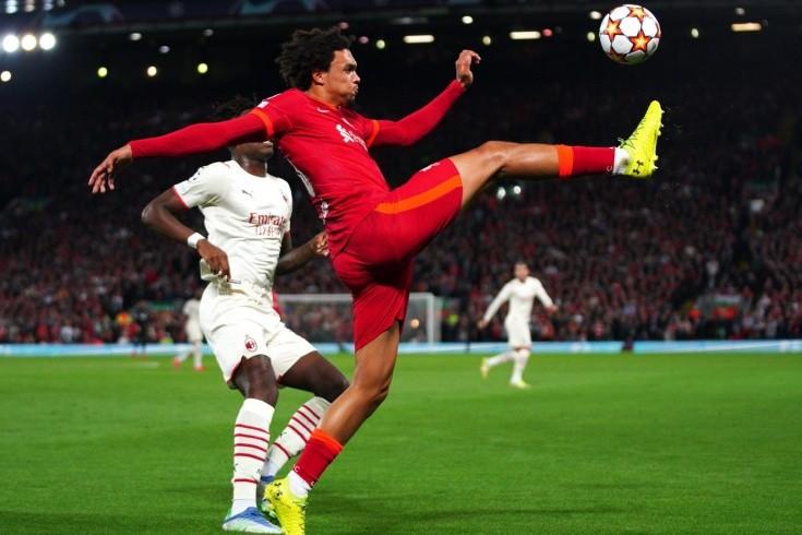 «Милан» поплыл под прессингом «Ливерпуля», но мощно вернулся в игру. И мог спастись